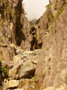 3つめの滝。これを越えるだけで必至です