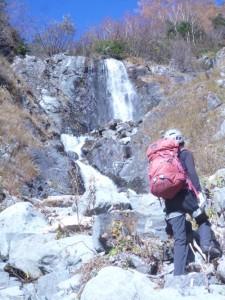 1つめの滝。大きくて気持ちがいいっす
