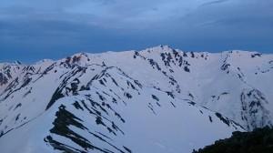 水晶岳はすぐそこに見えるがパス