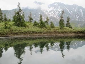 鏡池と槍ヶ岳