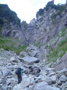 正面にドリュー状岩峰もどきが!