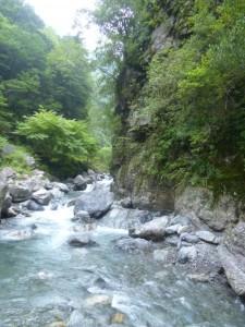入渓地点。東俣谷との二俣